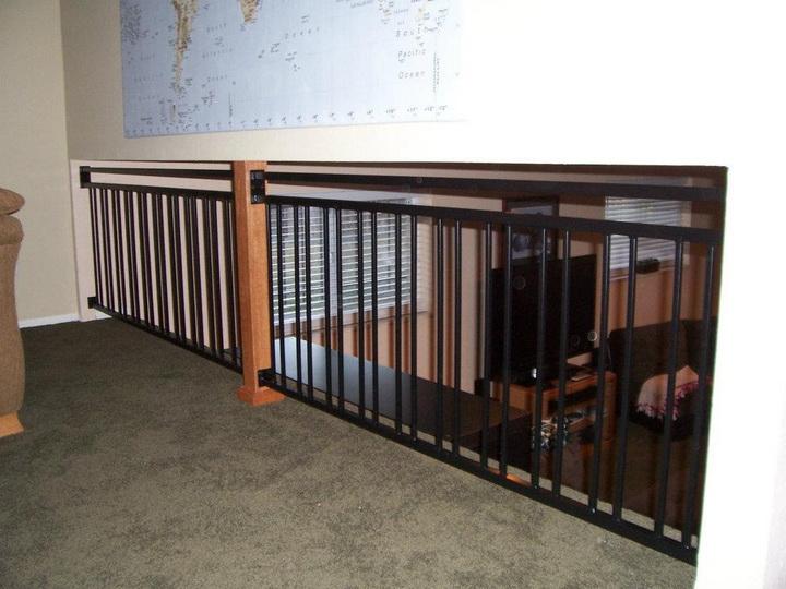 deckrailings09 - Custom railing w/irregularly spaced pickets